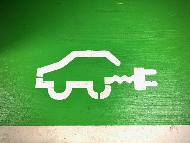 Laden en rijden met een elektrische auto